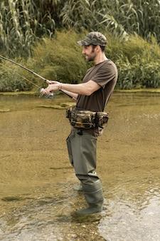 Человек, рыбалка на реке Бесплатные Фотографии