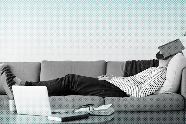 Uomo che si annoia a casa durante la quarantena del coronavirus