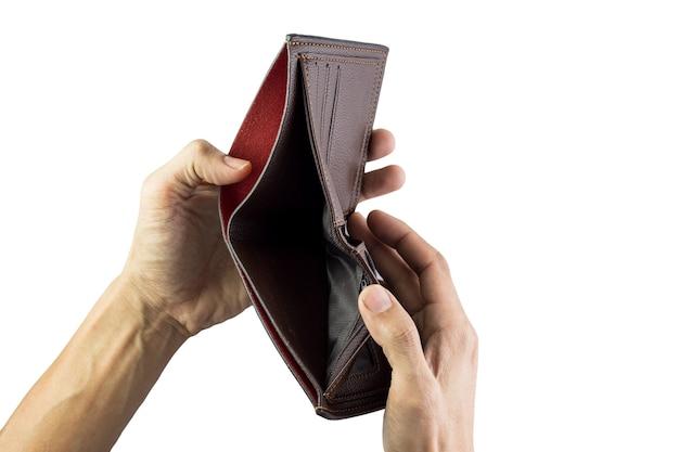Рука человека, держащая пустой бумажник, изолированные на белом фоне