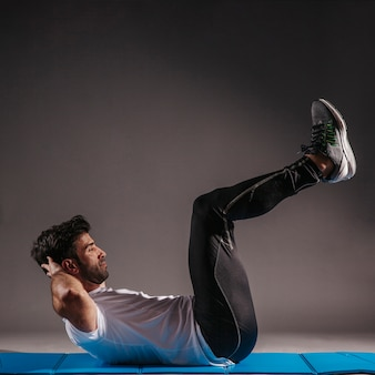 Man performing abdominal crunches