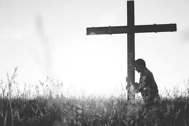 Uomo che prega