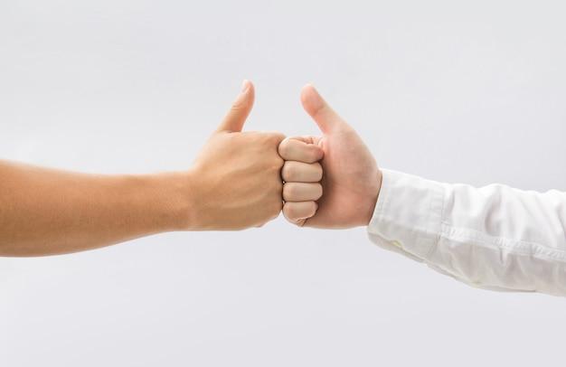남자 성공에 흰색 배경 비즈니스 팀워크에 엄지 손가락