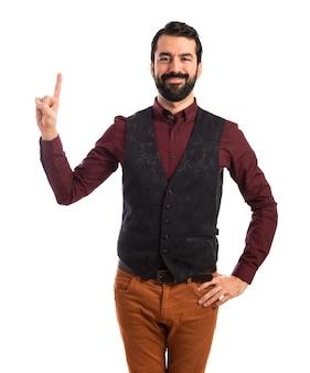 Человек, одетый в жилет, направленный вверх