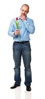 Человек с цветком, изолированные на белом фоне