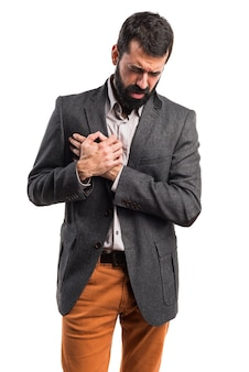 Uomo con dolore al cuore