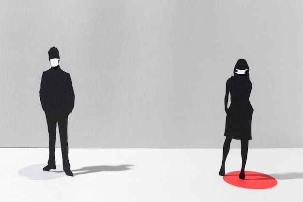 Uomo e donna con maschere mediche per la protezione dal coronavirus