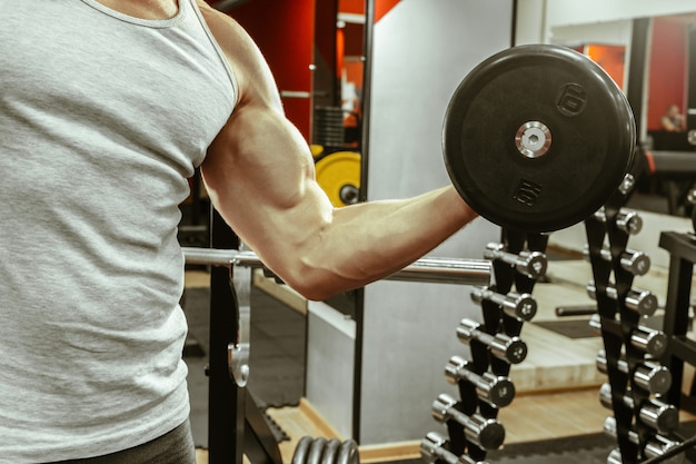 Man workingout in the local gym