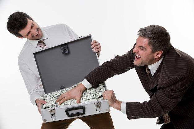 관리자는 번 돈을 공유 잭팟 비즈니스 사람들