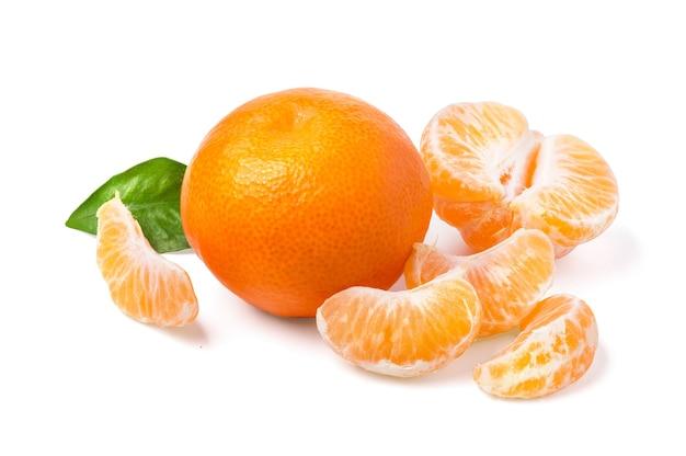 만다린, 귤 감귤류 과일 흰색 background.with cliupping 경로에 고립