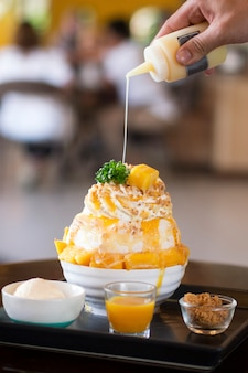 Mango bingsu with ice cream
