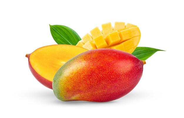 白で分離されたマンゴー果実