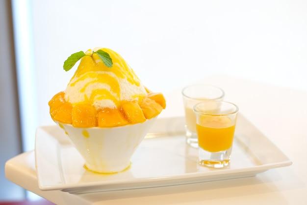 Mango kakigori with yellow mango