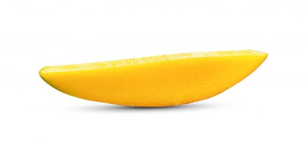 白いテーブルの上のマンゴースライス