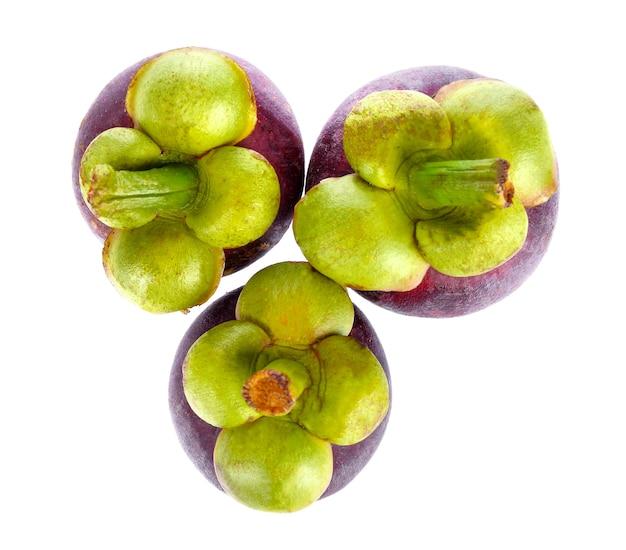 Вид сверху изолированные плоды мангостина