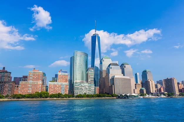 Manhattan skyline new york sunshine us