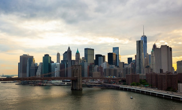 Manhattan skyline photographed by manhattan bridge.