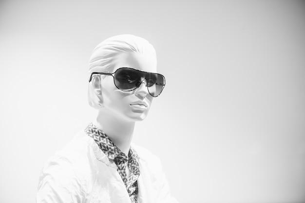 Mannequin girl in sunglasses