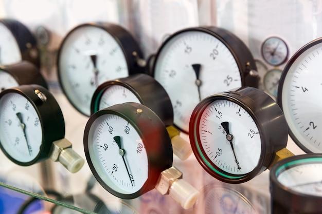 圧力計、圧力計、配管設備