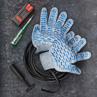 Manual tool and accessories used in electrical installation
