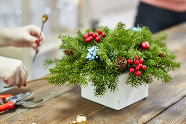 Manufacturer of christmas decor with their own hands