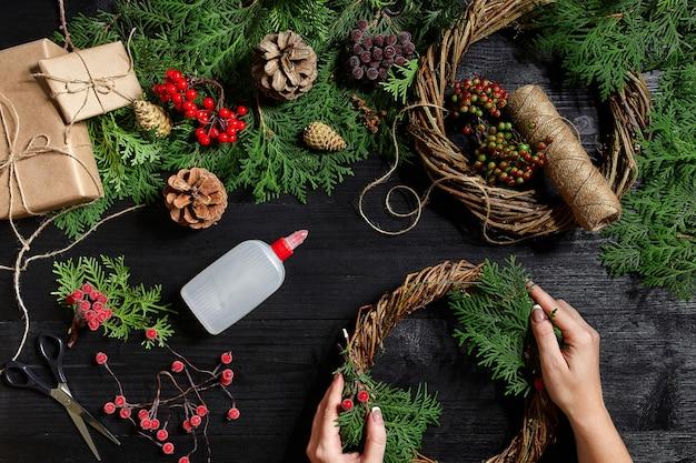 Производитель новогоднего декора своими руками новогодний венок к празднику новогодний с ...