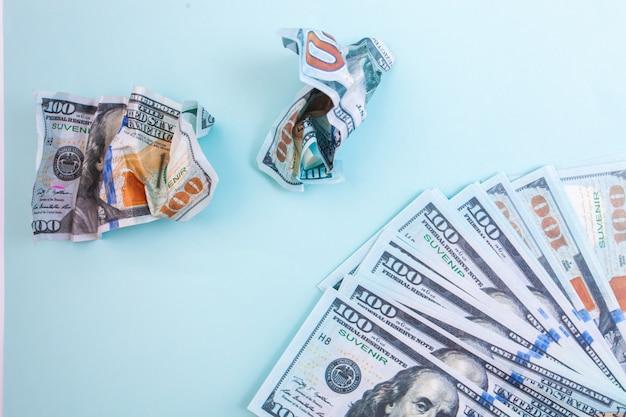 100 달러의 많은 지폐