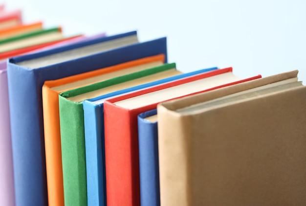 빛, 근접 촬영에 많은 책