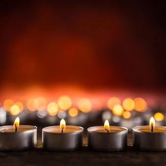 장례식 religios 크리스마스 스파 축하를 상징하는 많은 양초