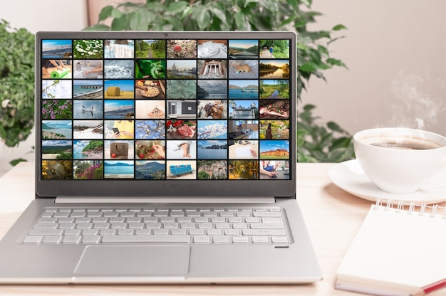 Много разных изображений в потоковом видео на экране ноутбука. концепция цифрового видео и мобильных медиа