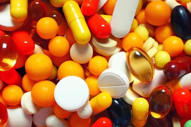 Много разных таблеток в качестве фона