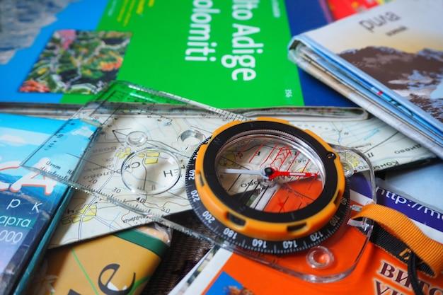 Карты и компас