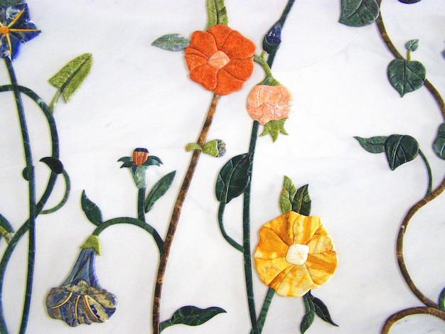 Мраморная стена в форме цветка, украшенная внутри в великой мечети шейха зайда,