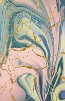 金の亀裂のある大理石のパターン。抽象的な背景。