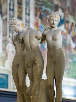 シエナ大聖堂、シエナ、トスカーナ、イタリアの大理石の彫像