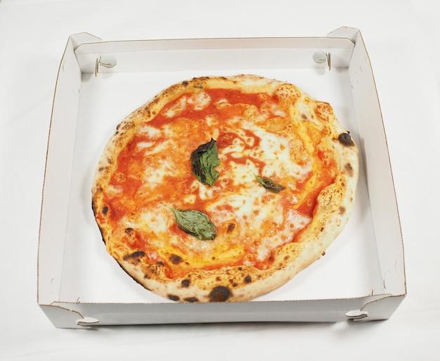 Margherita pizza carton
