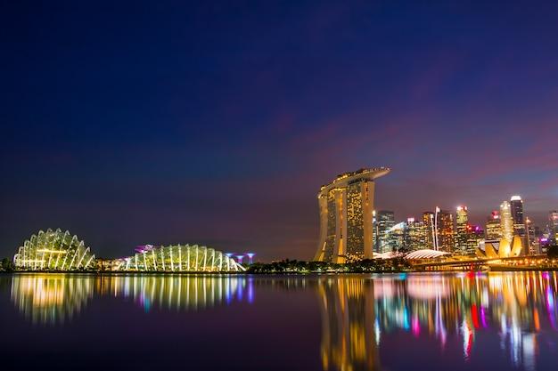Марина бэй в сингапуре ночью