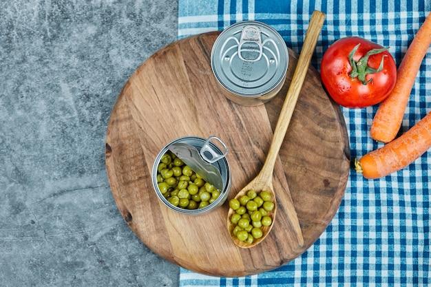 金属缶でマリネしたグリーンピース豆。