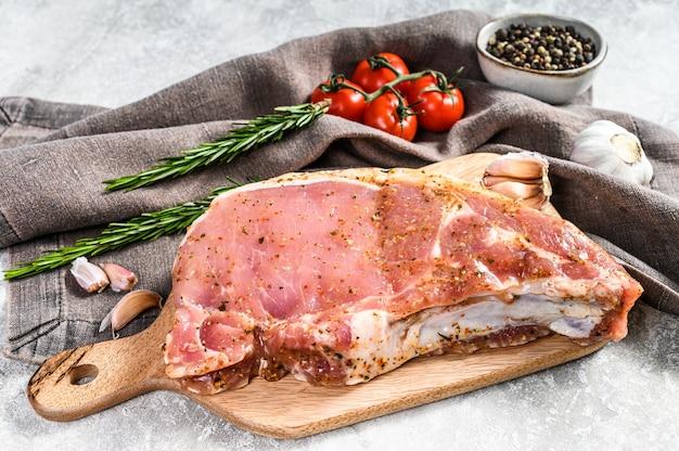 Котлета из маринованного стейка из свинины