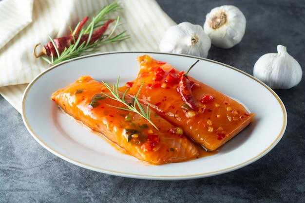 Marinated slices of salmon fillet