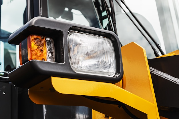 Marker lights and rear lights on the tractor or excavator