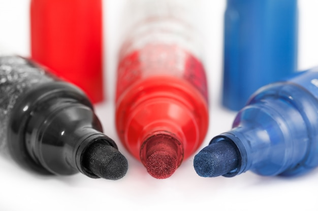 マーカーペン赤、青、黒
