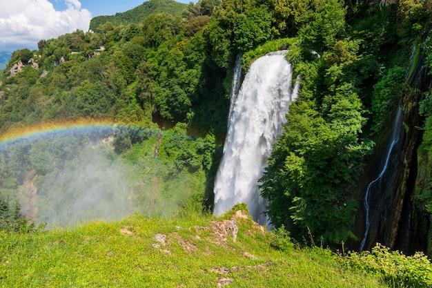 マルモレの滝、イタリア、ウンブリア州のカスカタデッレマルモレ