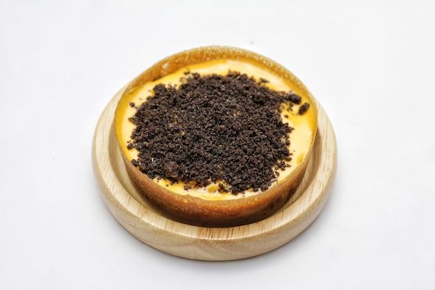 다양한 토핑이 있는 martabak mini 또는 martabak mini bangka