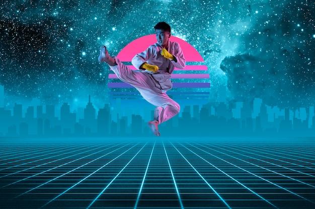 Человек боевых искусств. красивый фон, синти-волна и ретро-волна, футуристическая эстетика паровой волны. ультрафиолет, спортсмен в светящемся неоне. стильный флаер для рекламы, предложения, ярких цветов и вида на город.