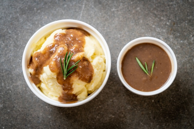 Mashed potatoes with gravy sauce