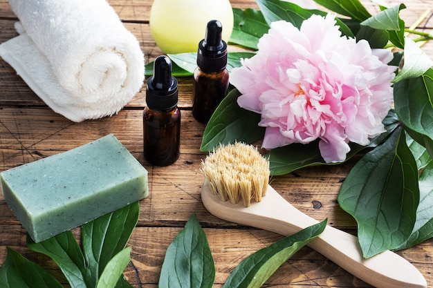 マッサージブラシ、化粧油、石鹸