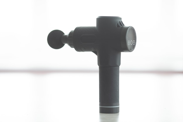 Массажный пистолет ручной аккумуляторный профессиональный перкуссионный