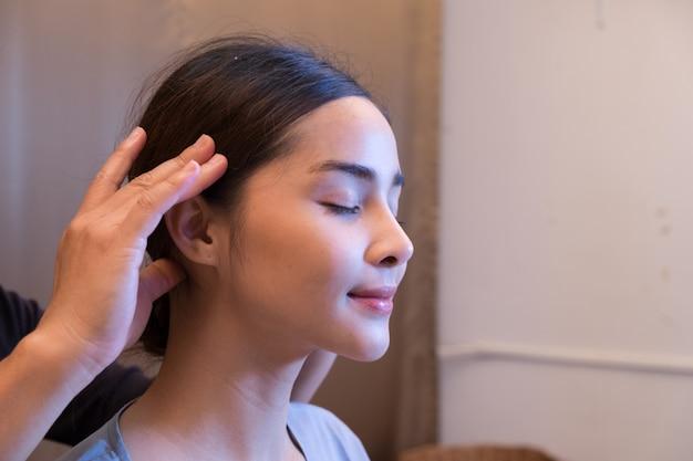 Massage and spa head