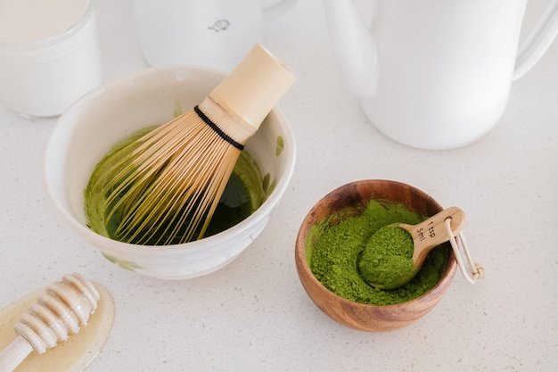 Matcha green tea latte ingredients, healthy trendy drinks