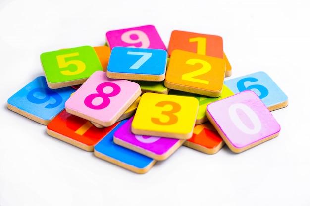 Математический номер красочный на белом фоне.